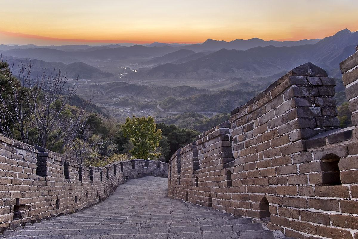 Great Wall at sunset by kymarto