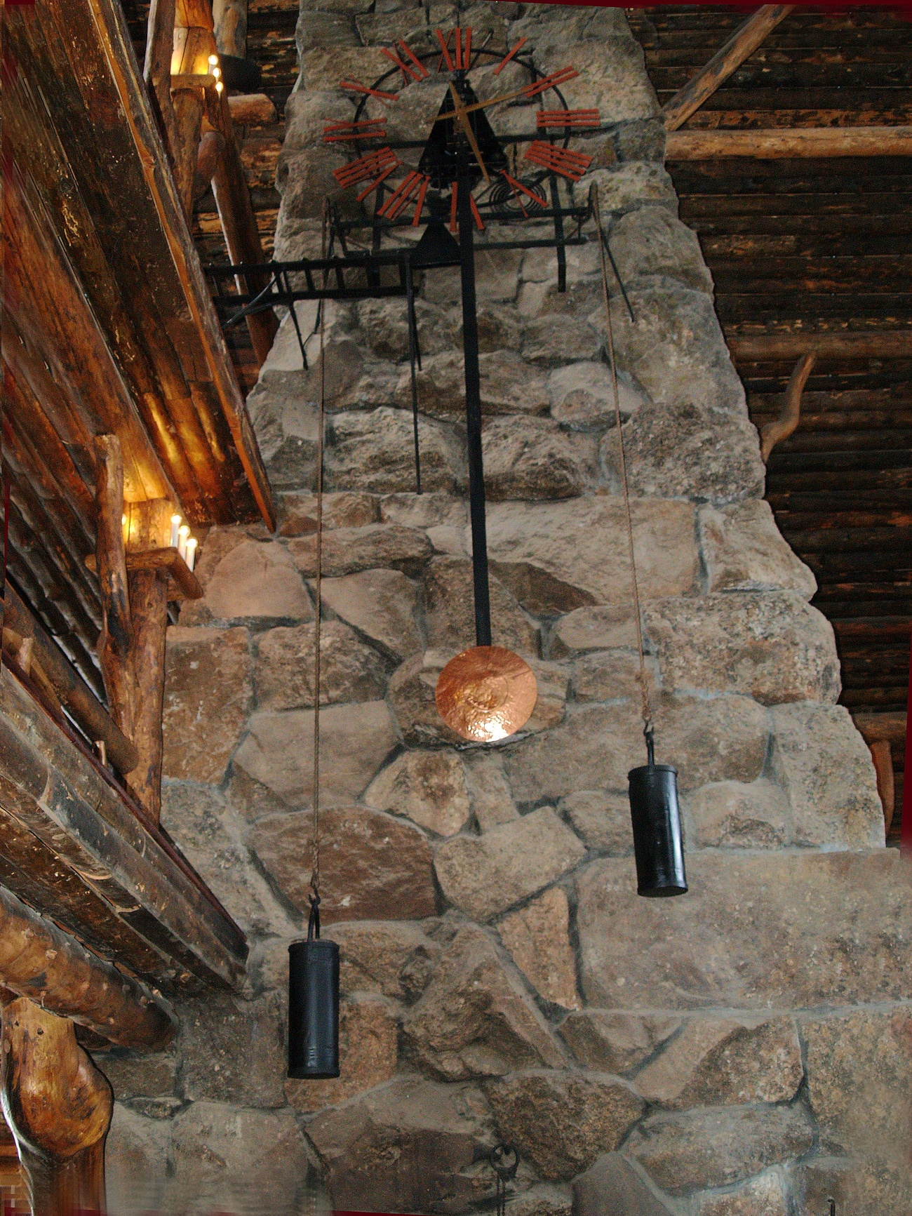 The time piece in Yellowstone Lodge.