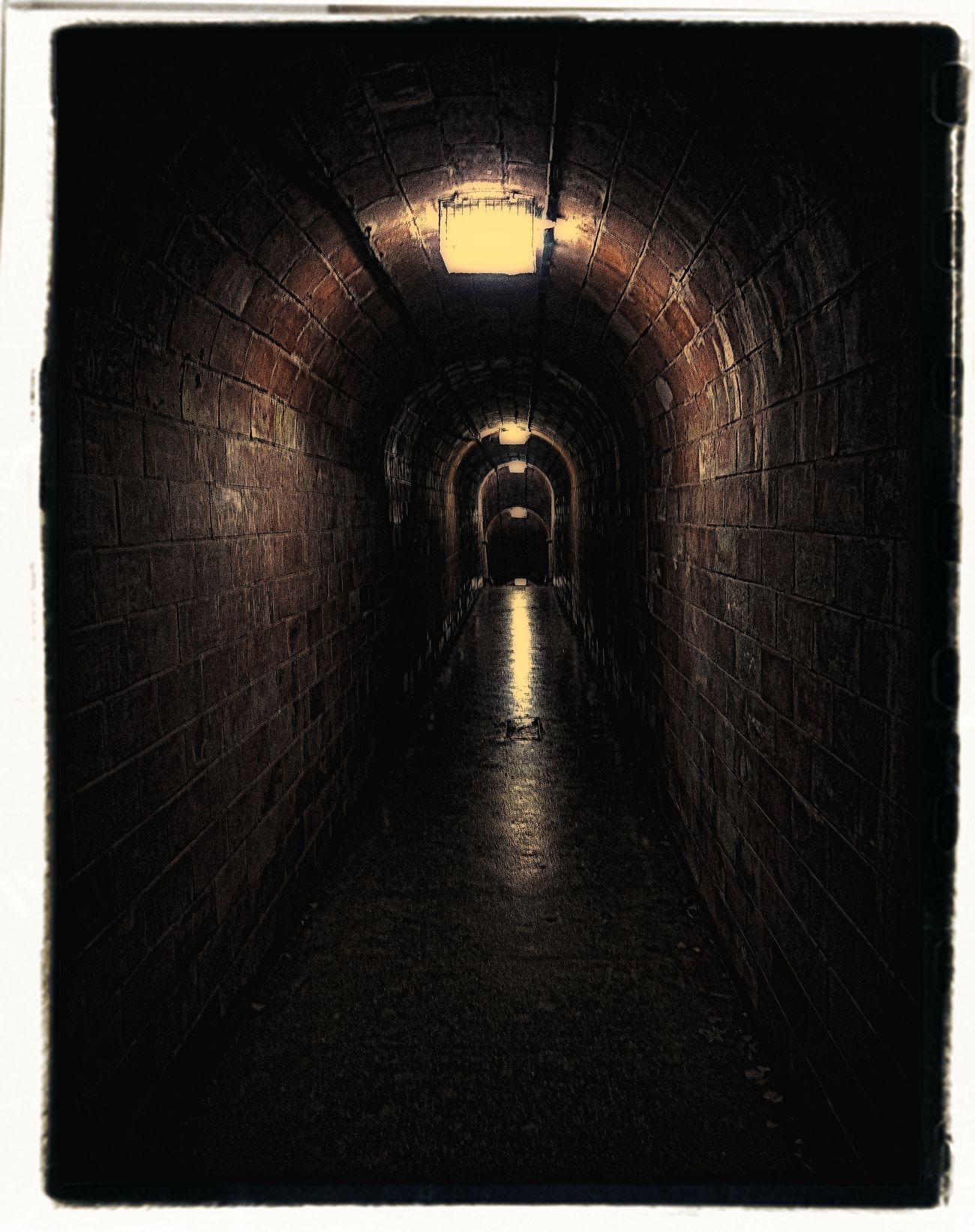 tunnel 2 by awjay