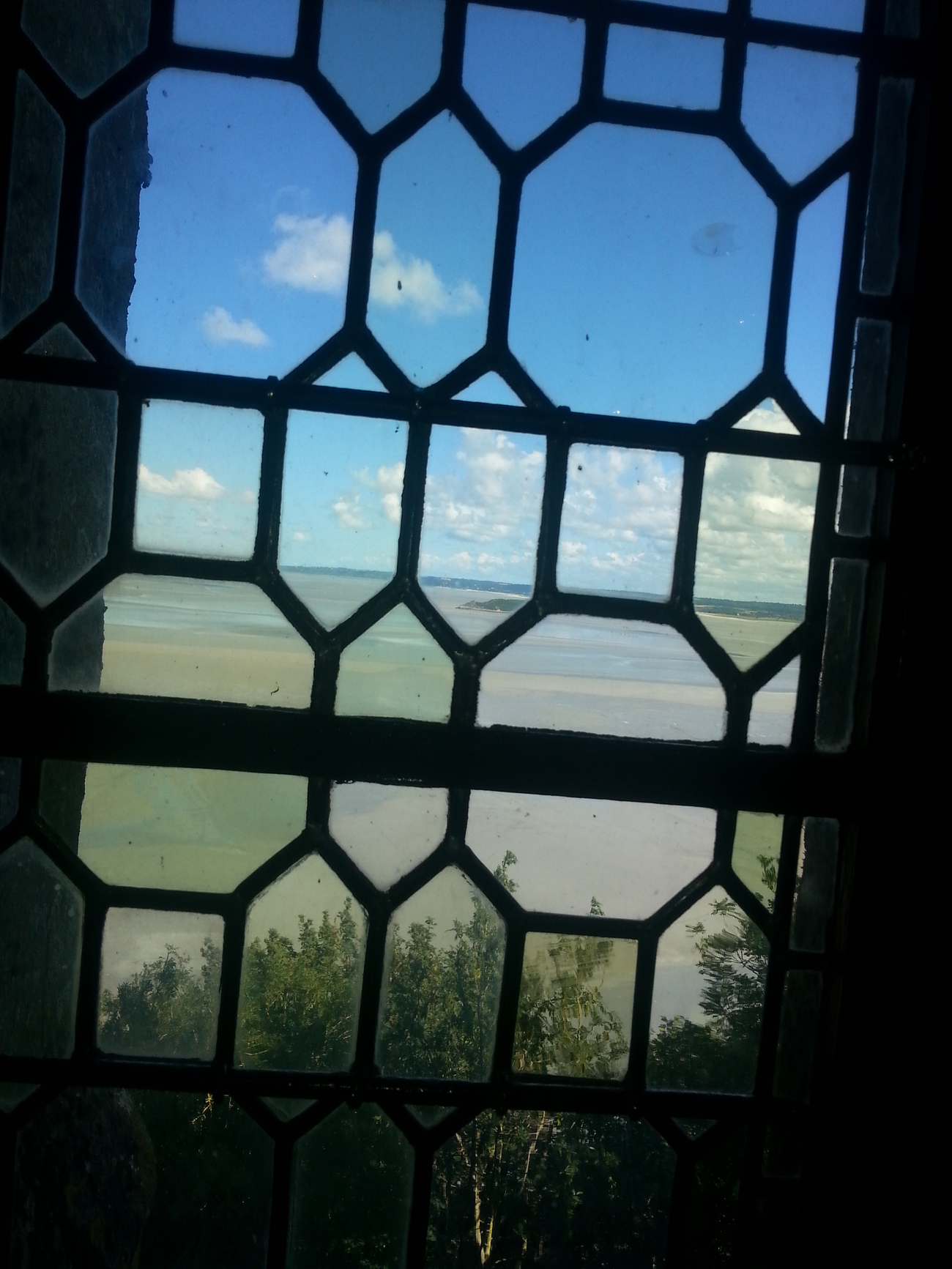 Windows 2 - France by Tipol
