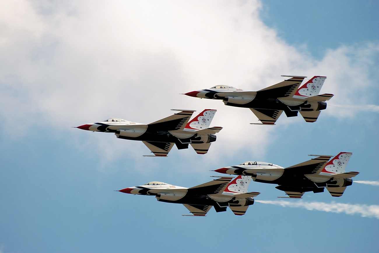 Thunderbirds in close formation by skiwillgee