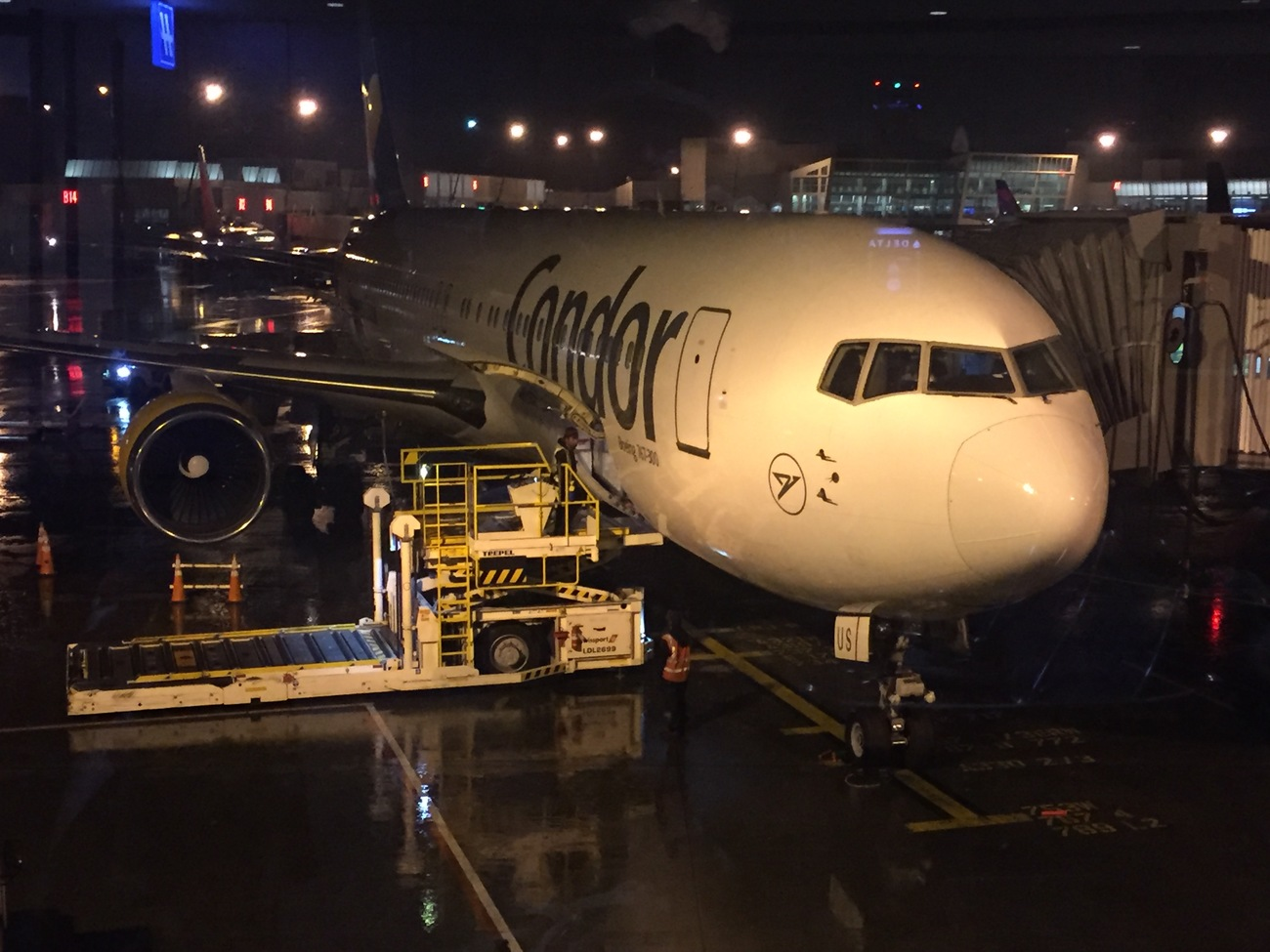 Seattle to Frankfurt a. M. by junge1