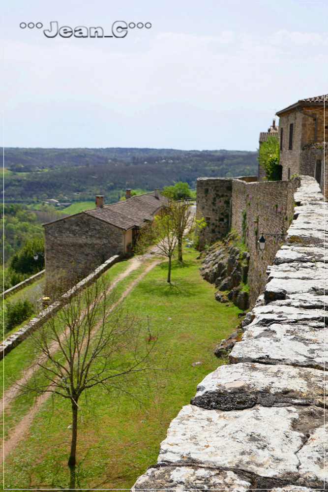 Puycelsi (2): Old battlements by Jean_C