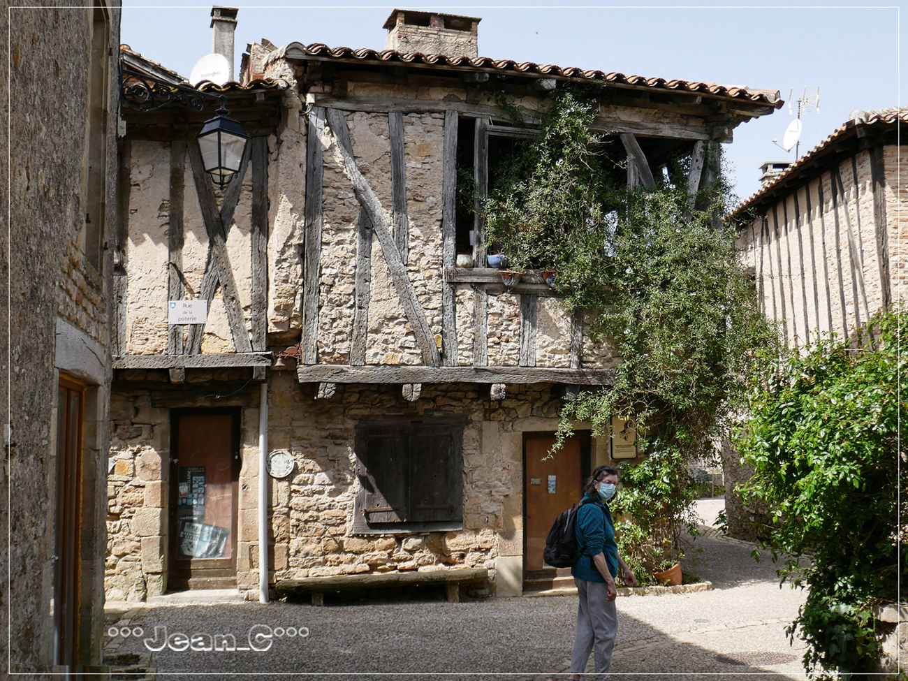 Puycelsi (4): The potter's house by Jean_C