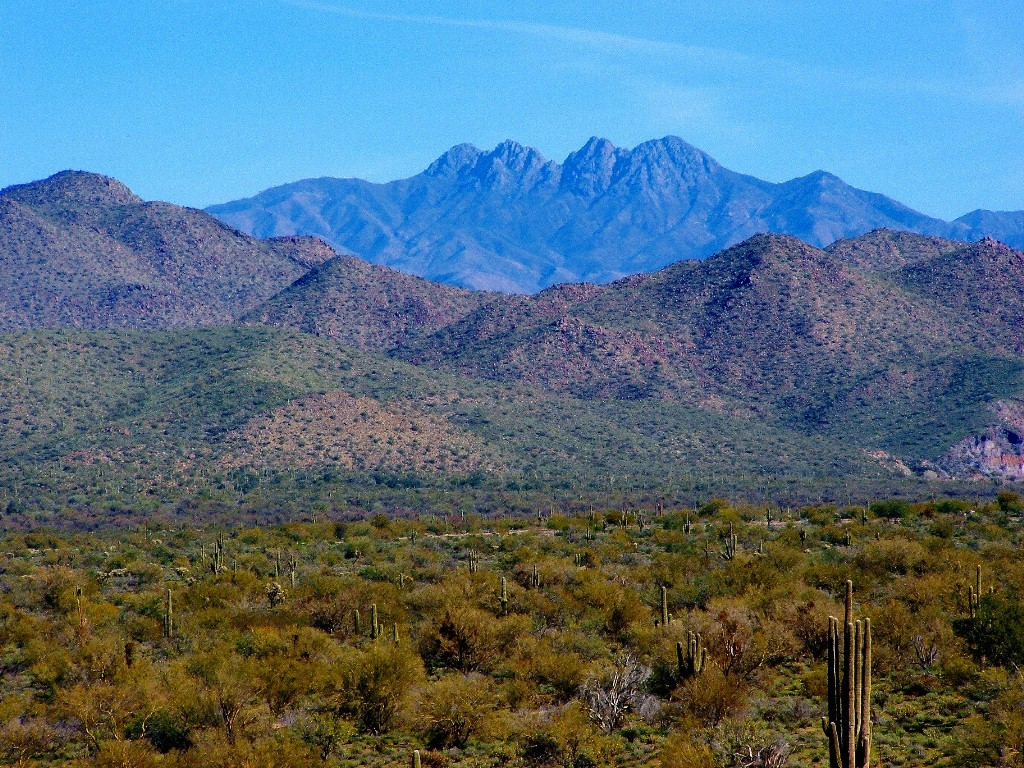 Four Peaks - Arizona by diomedes66